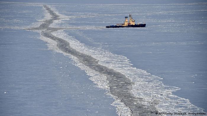 Российский ледокол в Карском море