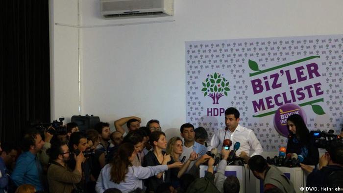 7 Haziran seçimlerinde HDP seçim barajını aşarak, TBMM'ye girmişti
