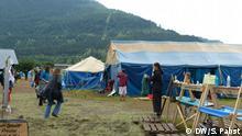 """Das Protestcamp des Aktionsbündnisses """"Stop G7 Elmau"""" am Ufer der Loisach in Garmisch-Partenkirchen wird abgebaut. Foto: Sabrina Pabst"""