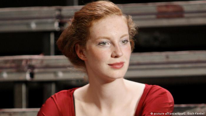 Luise Wolfram como Brunhilde