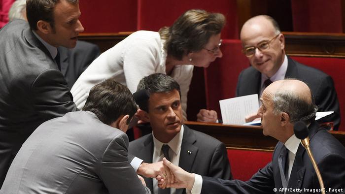 Debatte im französischen Parlament. Im Mittelpunkt: Premier Manuel Valls, 09.05.2015 (Foto: AFP)