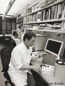 Gerhard Steidl am Computer
