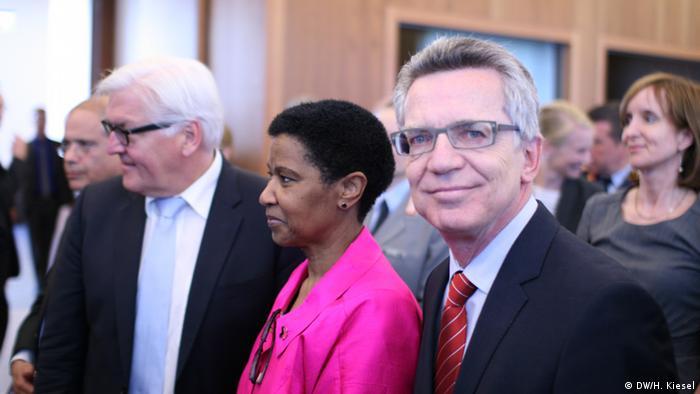 Außenminister Frank-Walter Steinmeier, UN-Untergeneralsekretärin Phumzile Mlambo-Ngcuka und Gastgeber Bundesinnenminister Thomas de Maizière