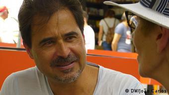 José Eduardo Agualusa, Schriftsteller aus Angola
