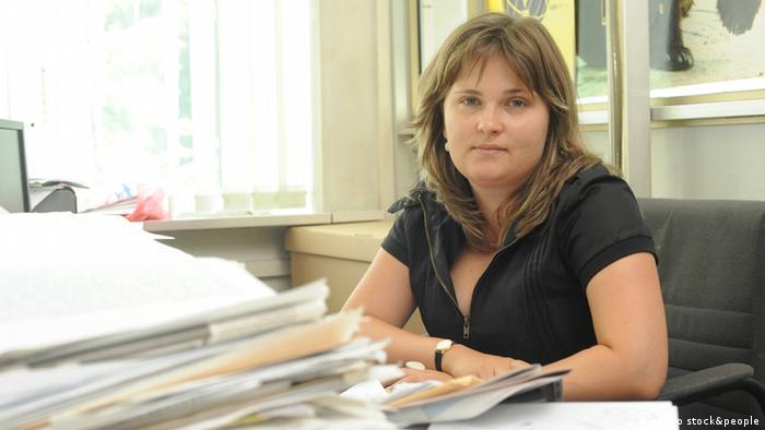 يلينا ميلاشينا، صحفية استقصائية معروفة بتقاريرها النقدية عن جمهورية الشيسان