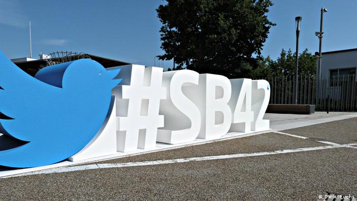 SB42 hashtag sculpture outside the World Conference Center in Bonn, Germany (Photo: DW/H. Fuchs)