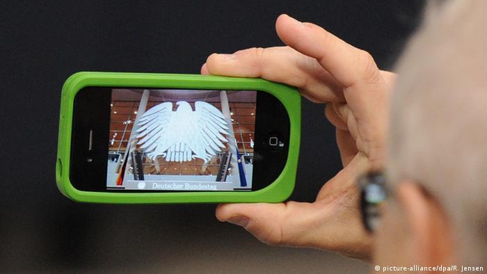 Symbolbild Cyberangriff auf den Bundestag