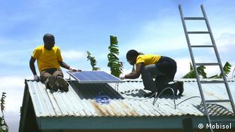 Mobisol Photovoltaik Technologie in Ruanda