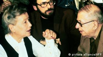 Jean-Paul Sartre mit Simone de Beauvoir