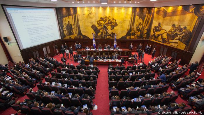 R Dominicana: capturan a decena de políticos y empresarios