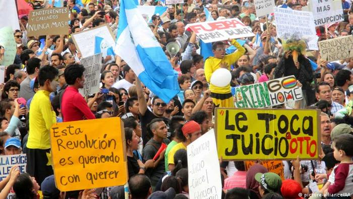 Guatemala/ Proteste (picture-alliance/AA)