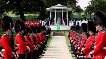 Aπό τους εορτασμούς για τα 800 χρόνια από τη θέσπιση της Μagna Carta παρουσία της βασίλισσας Ελισσάβετ και του πρωθυπουργού Κάμερον