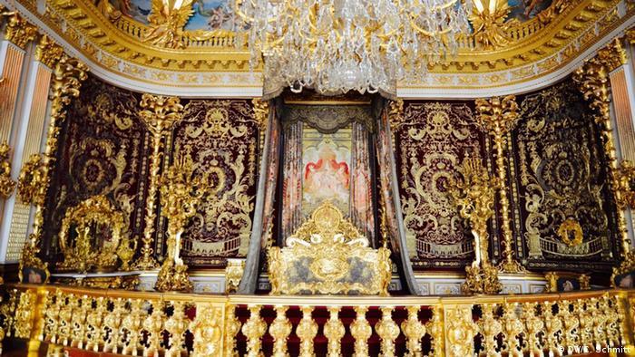 Парадная спальня во дворце Херренкимзе