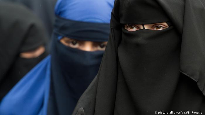 Symbolbild Mädchen Frauen Salafismus