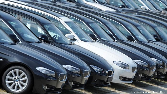 Nowe samochody wyczekują chętnych do ich nabycia