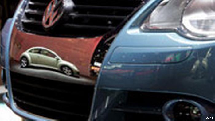 Auto Show Detroit VW Beatle (AP)