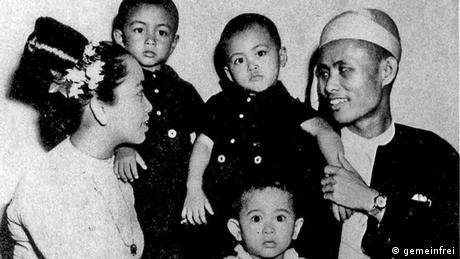 Myanmar Aung San Suu Kyi mit Familie