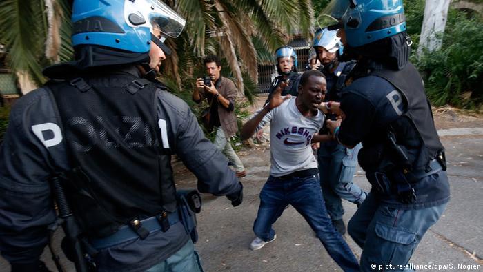 Migranten an der Grenze zwischen Frankreich und Italien