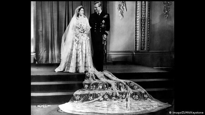 Queen Elizabeth and Prince Philip, wedding 1947 (Imago/ZUMA/Keystone)