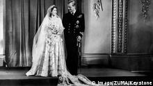 Königin Elisabeth II. und Philip bei der Trauung 1947 (Imago/ZUMA/Keystone)