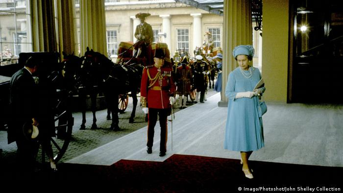 Königin Elisabeth II. Hochzeit Charles und Diana 1981