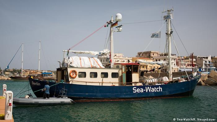 Sea-Watch im Hafen von Lampedusa (Foto: Sea-Watch/R. Neugebauer)