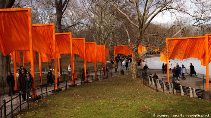 The Gates in New York City's Central Park in 2005 (picture-alliance/Schroewig/Graylock)