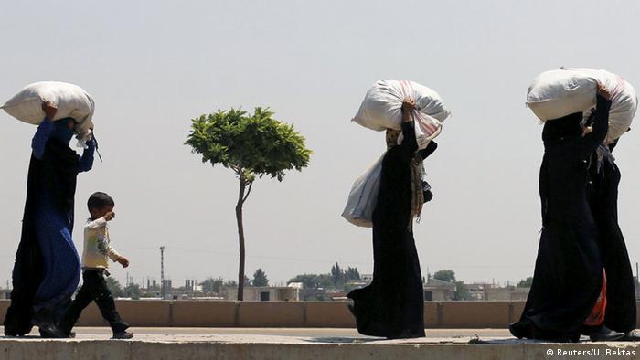 Syrien Flüchtlinge Rückkehr nach Tal Abyad (Reuters/U. Bektas)