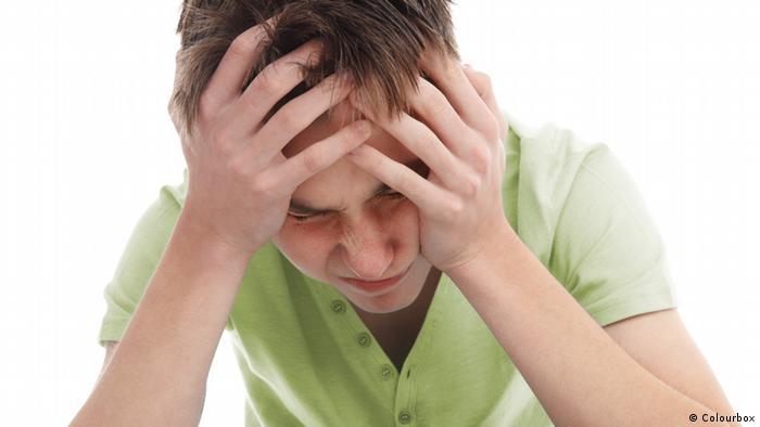 Teenager mit Kopfschmerzen Illustration