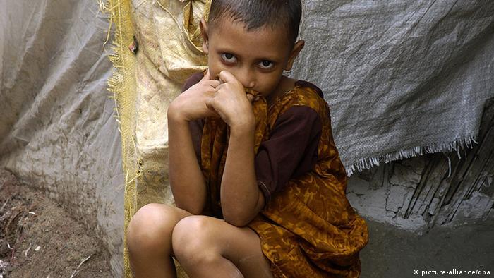 Indien Mädchen leiden an Hunger Symbolbild