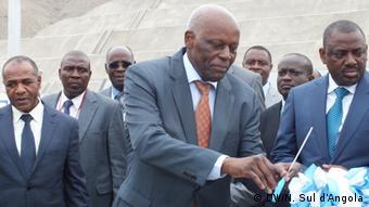 Angola Präsident José Eduardo dos Santos im Hafen Lobito