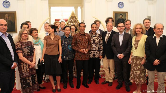 Indonesien Joko Widodo mit der Delegation deutscher Journalisten im Präsidentenpalast in Jakarta