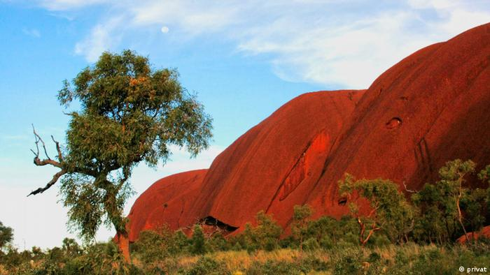 Uluru National Park (Ayers Rock), Australia; Copyright: Ragnhild from Norway