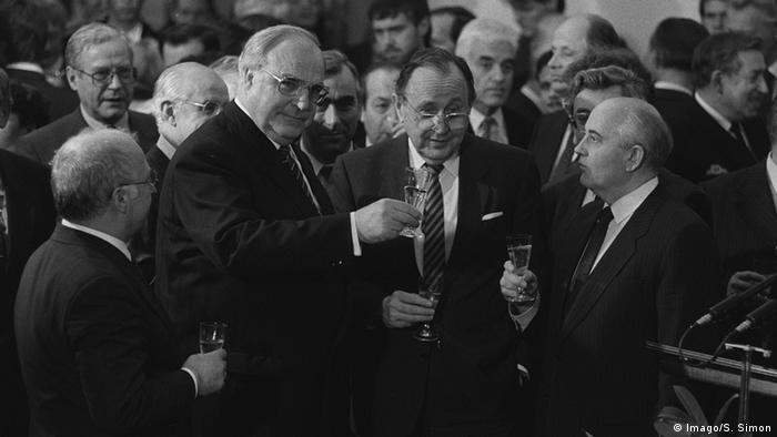 Гельмут Коль в Москве после подписания договора о воссоединении Германии