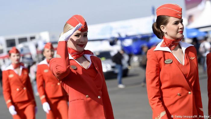 Die Flotte ist orange: Kabinenbesatzung der Aeroflot