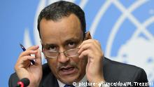 epa04808845 United Nations Special Envoy for Yemen Ismail Ould Cheikh Ahmed, speaks during a press conference about the Geneva Consultations on Yemen, at the European headquarters of the United Nations, in Geneva, Switzerland, 19 June 2015. EPA/MARTIAL TREZZINI +++(c) dpa - Bildfunk+++