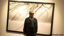 Titel: Abbas Kiarostami Bildbeschreibung: Abbas Kiarostami (22. Juni 1940 in Teheran) ist ein iranischer Drehbuchautor, Filmregisseur und Lyriker. Er gilt als einer der bedeutendsten und bekanntesten Regisseure des iranischen Films. Stichwörter: Abbas Kiarostami, iranischer Drehbuchautor, Filmregisseur, Lyriker Quelle: Akasee.com Lizenz: Frei