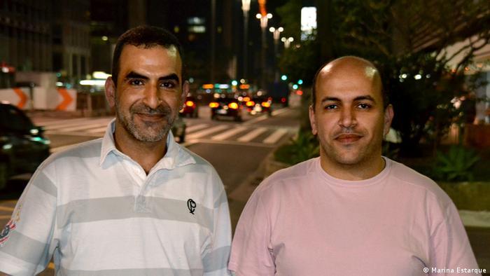 Khaled (esq.) e Kamal moram em São Paulo