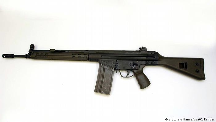 Bundeswehr Schnellfeuergewehr G-3 von Heckler und Koch (picture-alliance/dpa/C. Rehder)