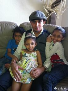 Раиф Бадави с детьми