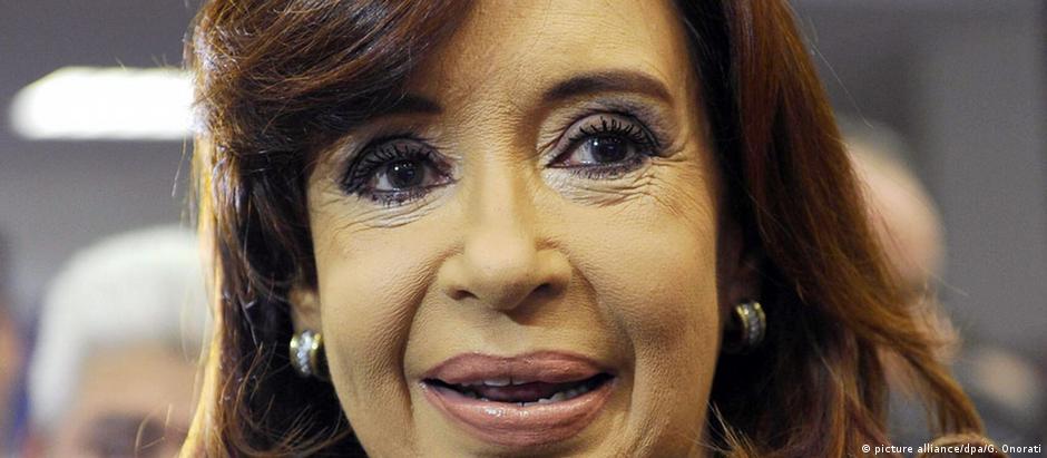 Juiz ordenou embargo de bens de ex-presidente argentina Cristina Kirchner