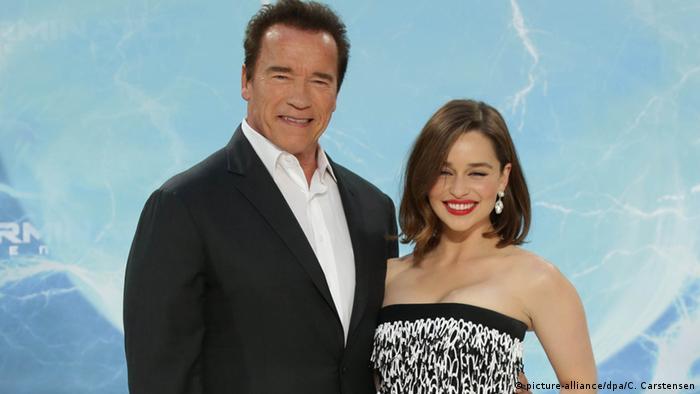 Deutschland Arnold Schwarzenegger und Emilia Clarke in Berlin