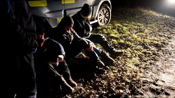Ungarn Serien Migranten an der Grenze