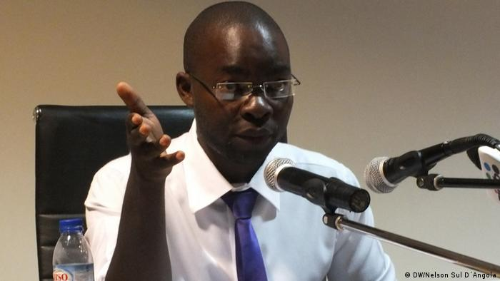 Escritor, jornalista e ativista angolano Domingos da Cruz