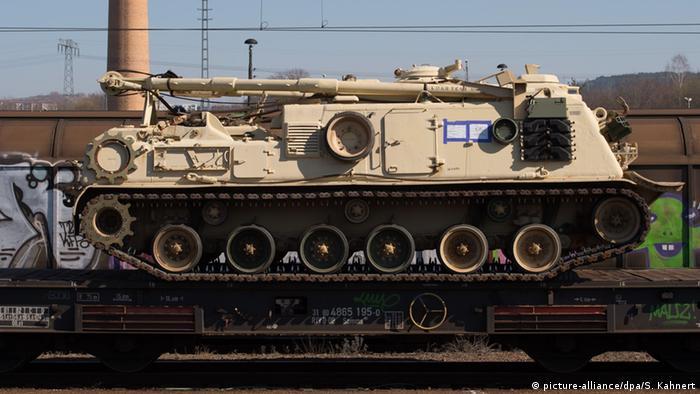 USA verlegen schweres Militärgerät nach Osteuropa Symbolbild