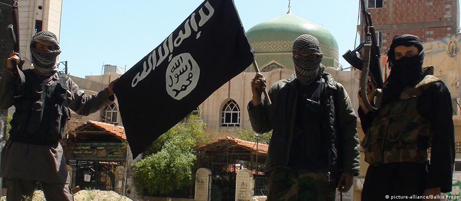 """Combatentes do """"Estado Islâmico"""" na Síria"""