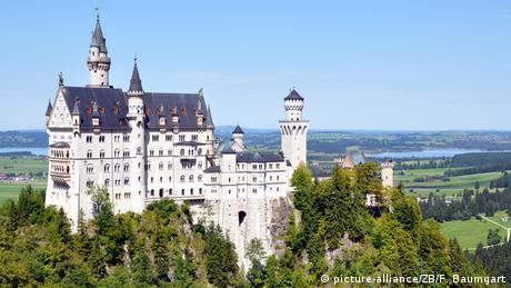 Das Schloss Neuschwanstein in Bayern Foto: Frank Baumgart