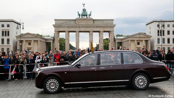 Deutschland Queen in Berlin Brandenburger Tor