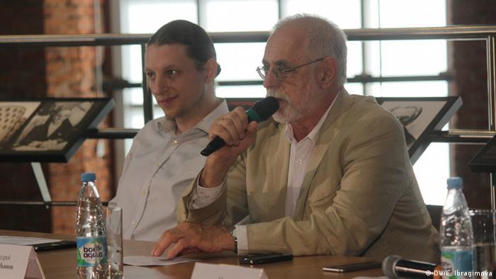 Андрей Сарабьянов (справа) на презентации проекта