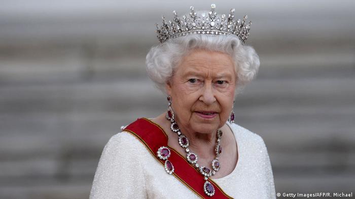 Deutschland Schloss Bellevue Queen bei Gauck Ankunft Staatsbankett